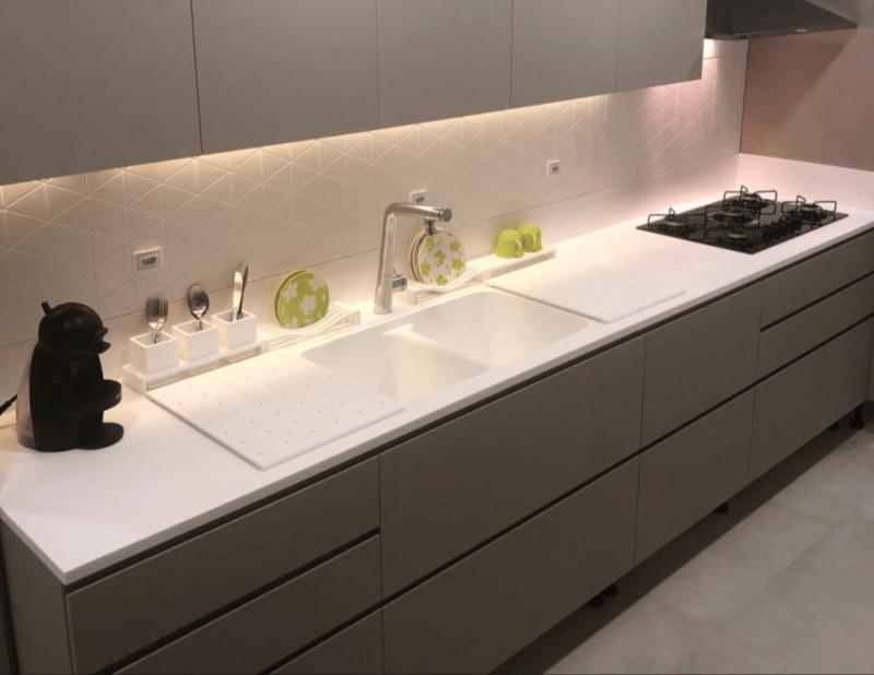 4 puntos a considerar al diseñar la mesada en una cocina moderna