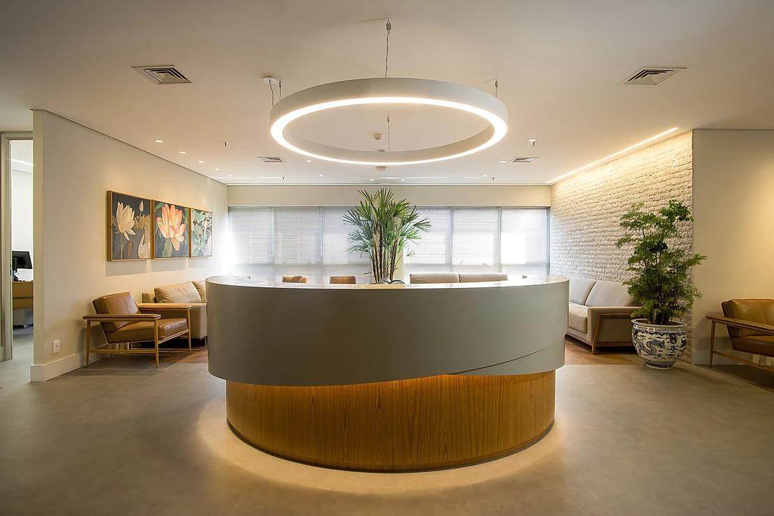 Recepción Clínica San Pablo, arquitectura hospitalaria aplicada